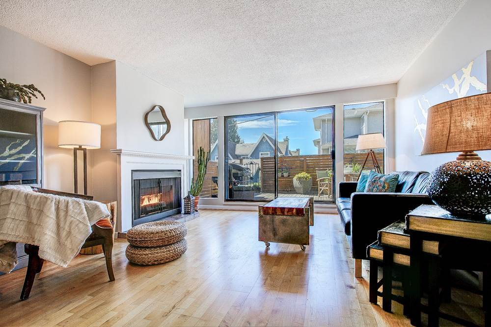 Main Photo: 105 2545 LONSDALE Avenue in North Vancouver: Upper Lonsdale Condo for sale : MLS®# R2470207