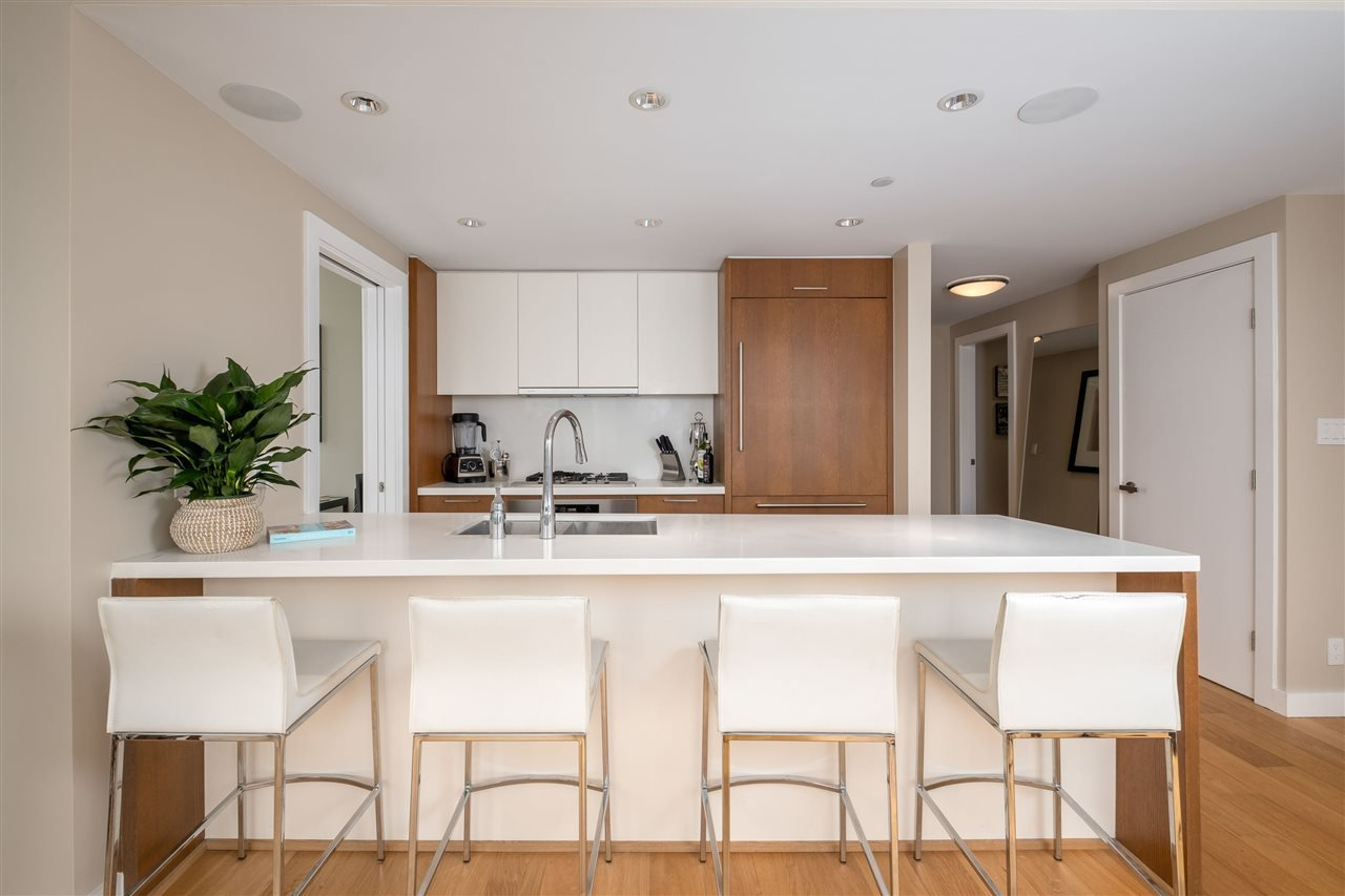 """Main Photo: 2505 1372 SEYMOUR Street in Vancouver: Downtown VW Condo for sale in """"The Mark - Onni"""" (Vancouver West)  : MLS®# R2504998"""