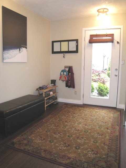 Spacious Front Entry!