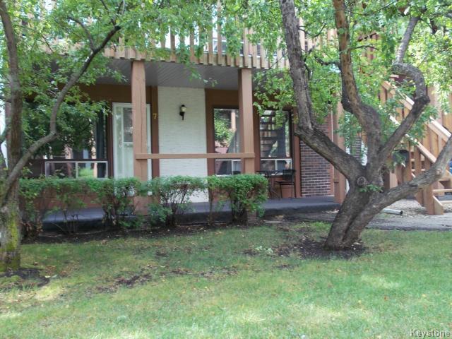 Main Photo: 7 760 River Road: Condominium for sale