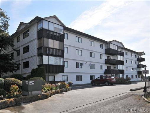 Main Photo: 206 929 Esquimalt Rd in VICTORIA: Es Old Esquimalt Condo Apartment for sale (Esquimalt)  : MLS®# 677584