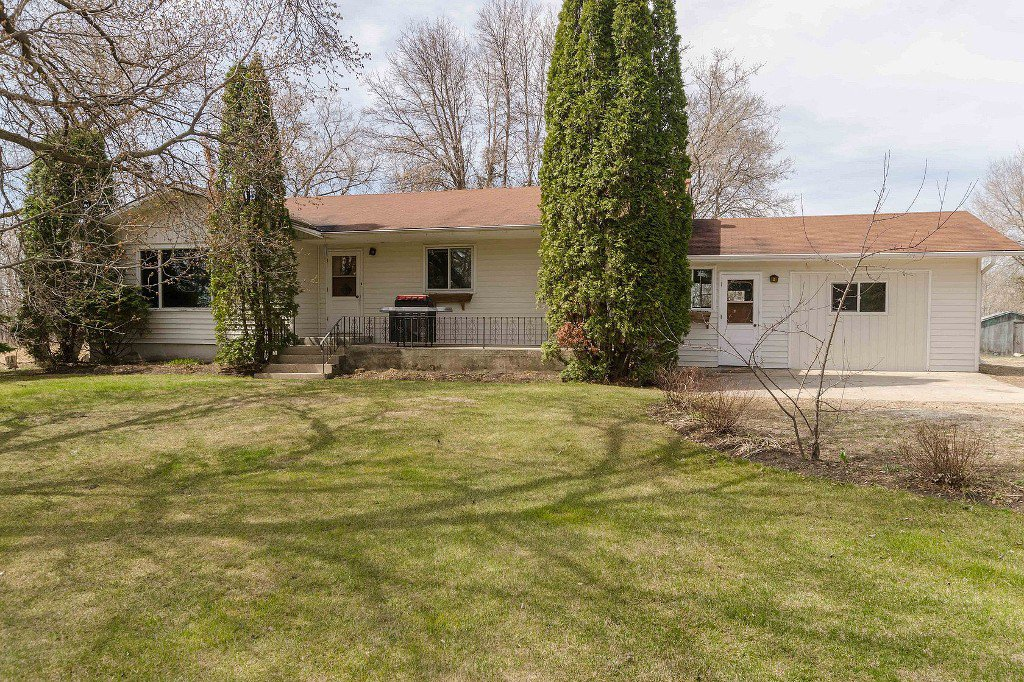 Main Photo: 16034 Hwy. 206 in RM Springfield: Single Family Detached for sale : MLS®# 1511973