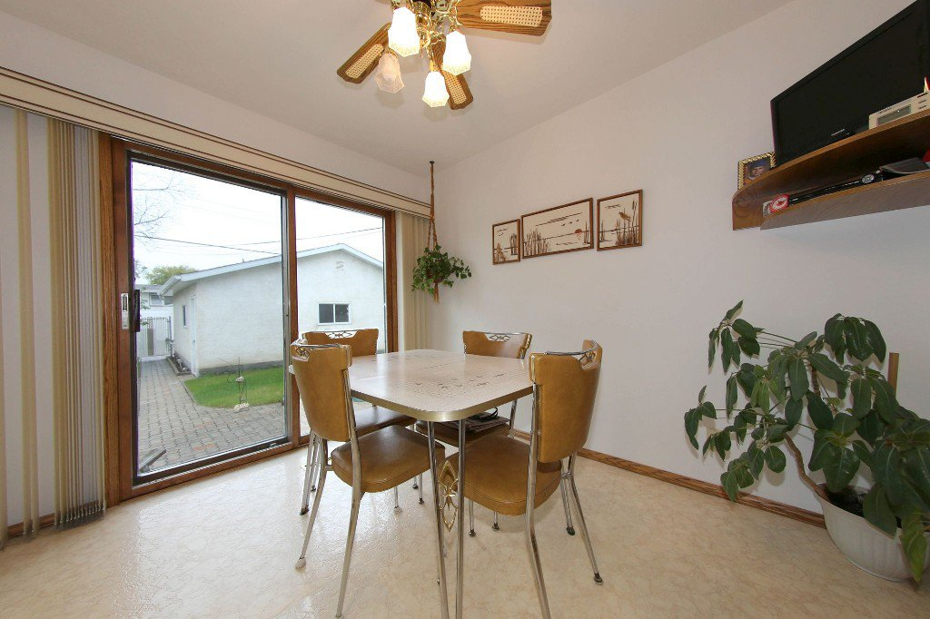 Photo 13: Photos: 310 Raquette Street in Winnipeg: Westwood Single Family Detached for sale (West Winnipeg)  : MLS®# 1513263