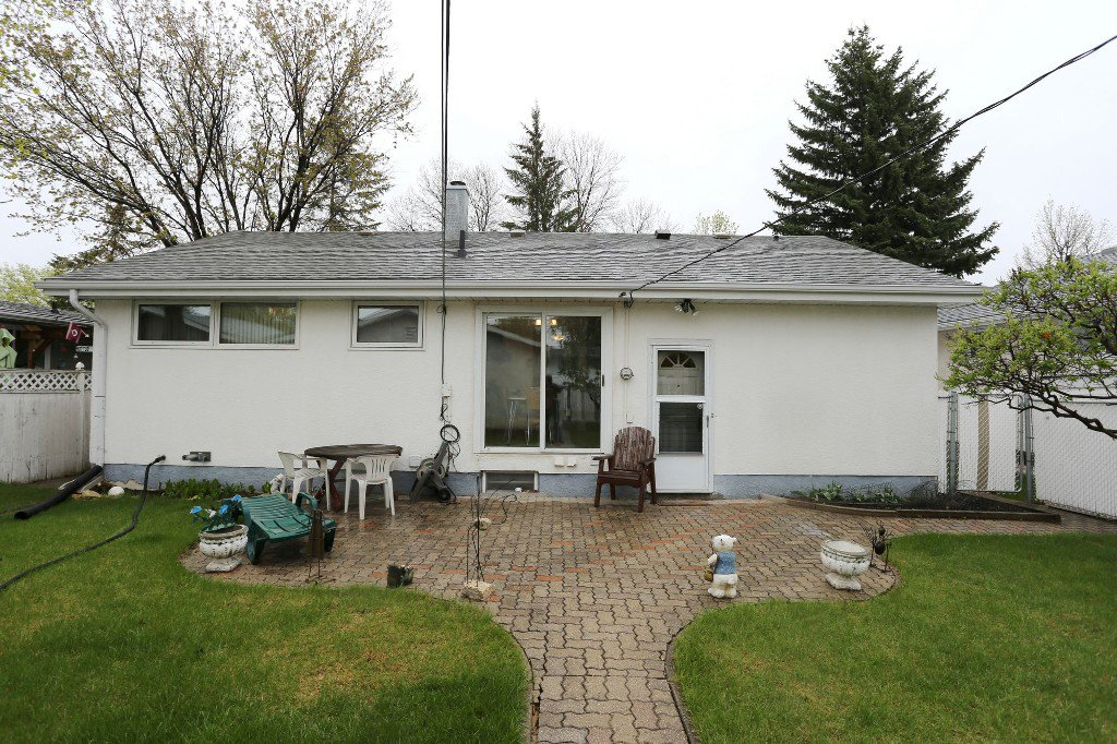 Photo 41: Photos: 310 Raquette Street in Winnipeg: Westwood Single Family Detached for sale (West Winnipeg)  : MLS®# 1513263
