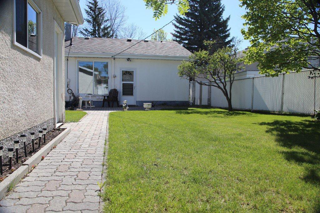 Photo 33: Photos: 310 Raquette Street in Winnipeg: Westwood Single Family Detached for sale (West Winnipeg)  : MLS®# 1513263