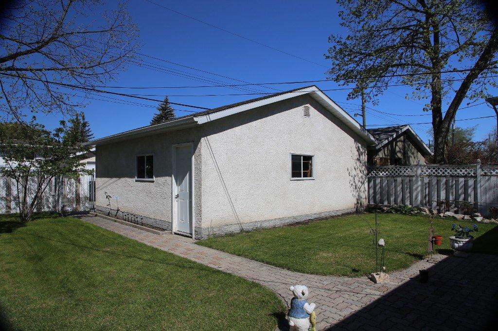 Photo 37: Photos: 310 Raquette Street in Winnipeg: Westwood Single Family Detached for sale (West Winnipeg)  : MLS®# 1513263