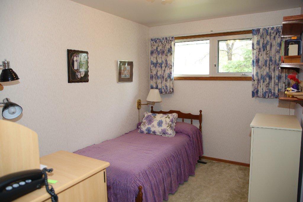 Photo 18: Photos: 310 Raquette Street in Winnipeg: Westwood Single Family Detached for sale (West Winnipeg)  : MLS®# 1513263