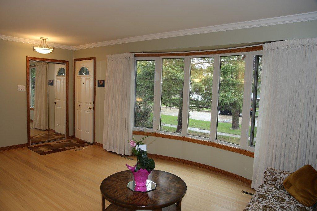 Photo 5: Photos: 310 Raquette Street in Winnipeg: Westwood Single Family Detached for sale (West Winnipeg)  : MLS®# 1513263