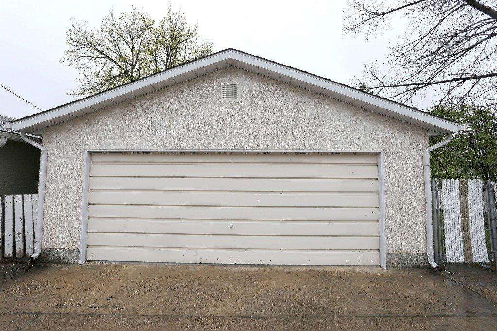 Photo 43: Photos: 310 Raquette Street in Winnipeg: Westwood Single Family Detached for sale (West Winnipeg)  : MLS®# 1513263