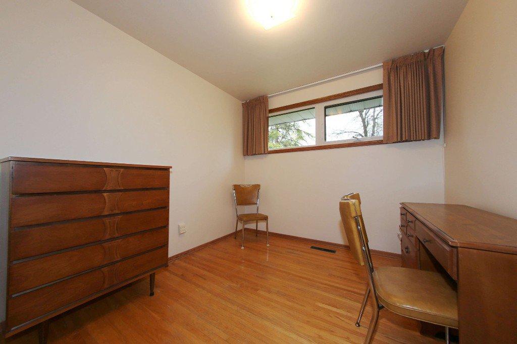 Photo 19: Photos: 310 Raquette Street in Winnipeg: Westwood Single Family Detached for sale (West Winnipeg)  : MLS®# 1513263