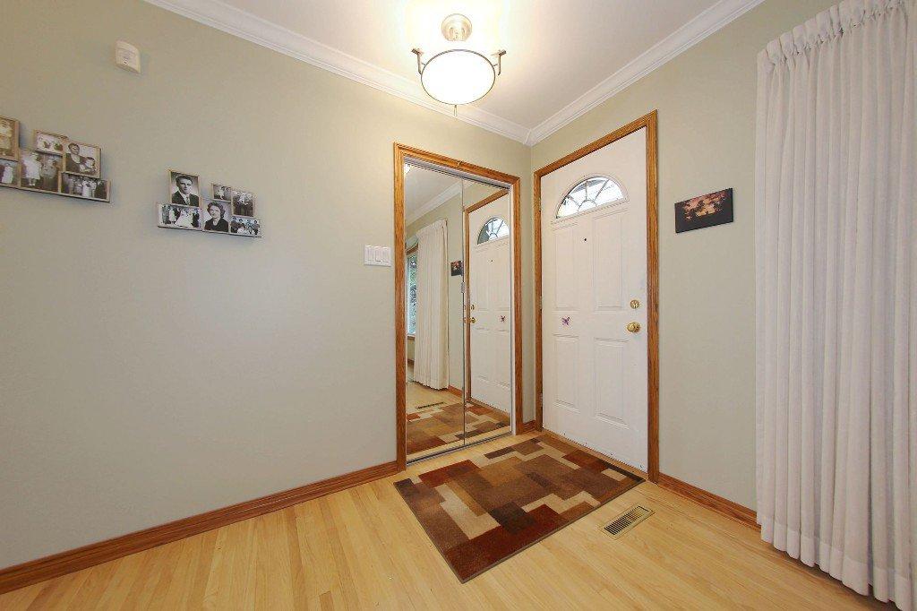 Photo 2: Photos: 310 Raquette Street in Winnipeg: Westwood Single Family Detached for sale (West Winnipeg)  : MLS®# 1513263