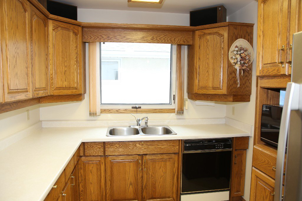 Photo 11: Photos: 310 Raquette Street in Winnipeg: Westwood Single Family Detached for sale (West Winnipeg)  : MLS®# 1513263