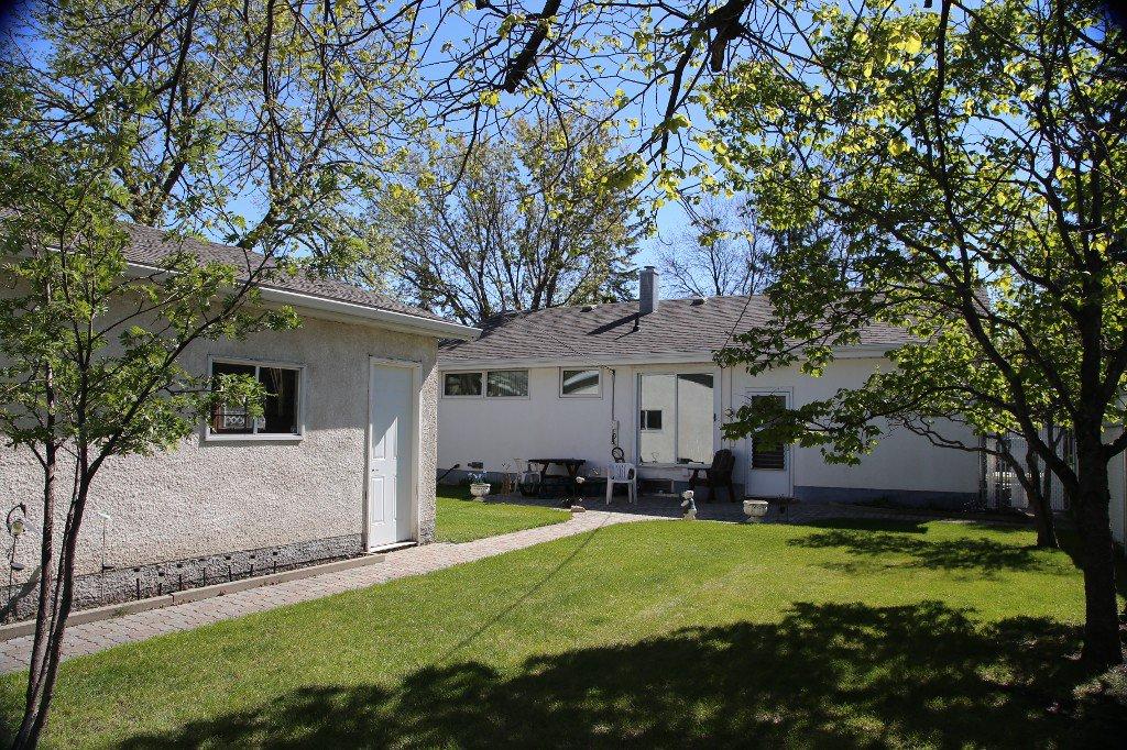 Photo 36: Photos: 310 Raquette Street in Winnipeg: Westwood Single Family Detached for sale (West Winnipeg)  : MLS®# 1513263