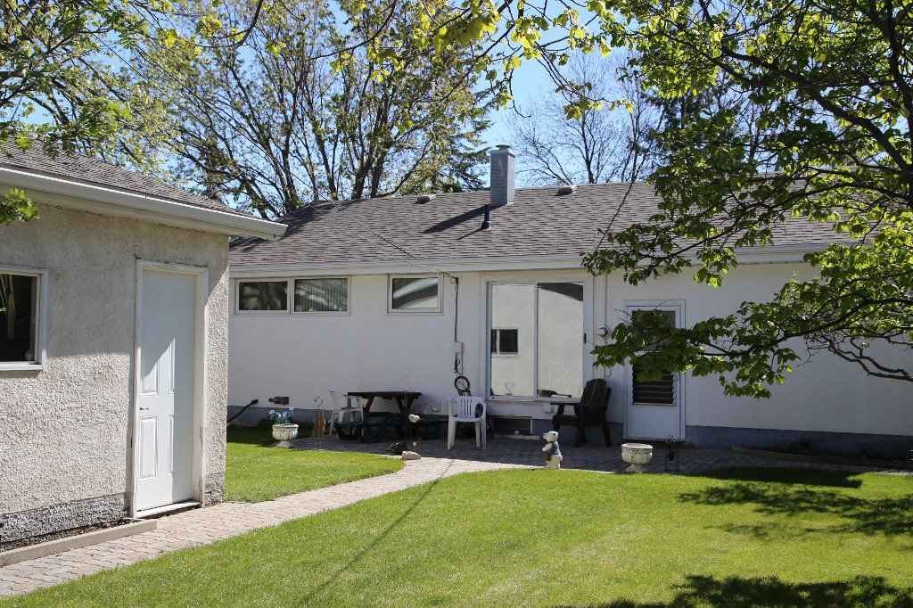 Photo 34: Photos: 310 Raquette Street in Winnipeg: Westwood Single Family Detached for sale (West Winnipeg)  : MLS®# 1513263