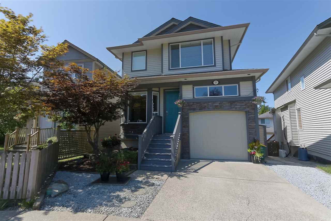 Main Photo: 23 8888 216 Street in Langley: Walnut Grove House for sale : MLS®# R2394933