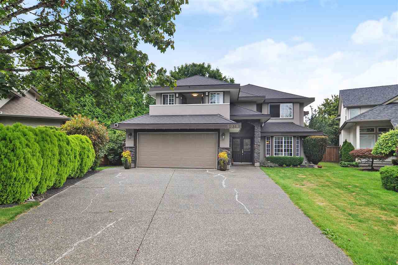 """Main Photo: 9018 207B Street in Langley: Walnut Grove House for sale in """"Greenwood Estates"""" : MLS®# R2413319"""