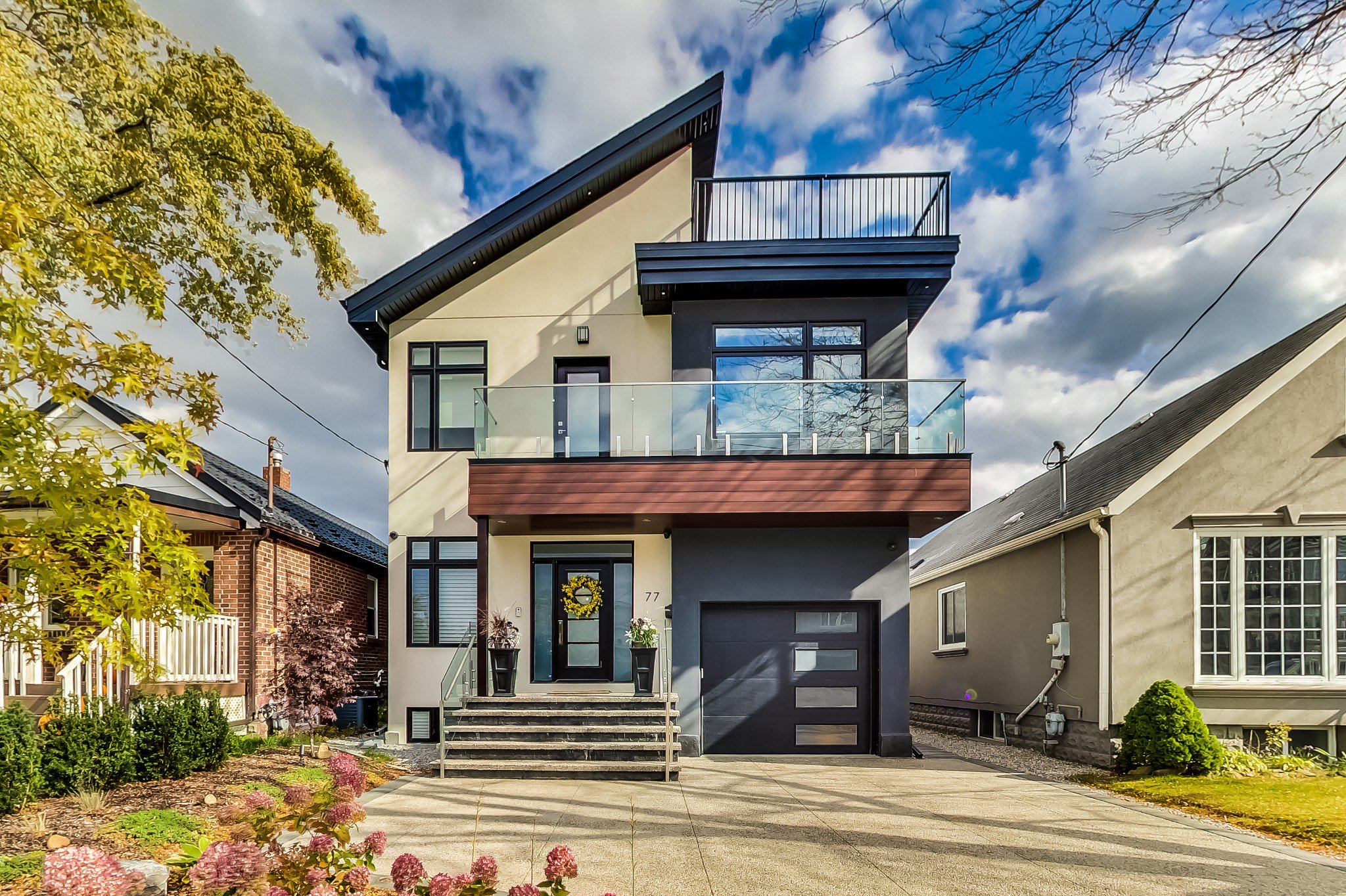 Main Photo: 77 Twenty Sixth St in Toronto: Long Branch Freehold for sale (Toronto W06)