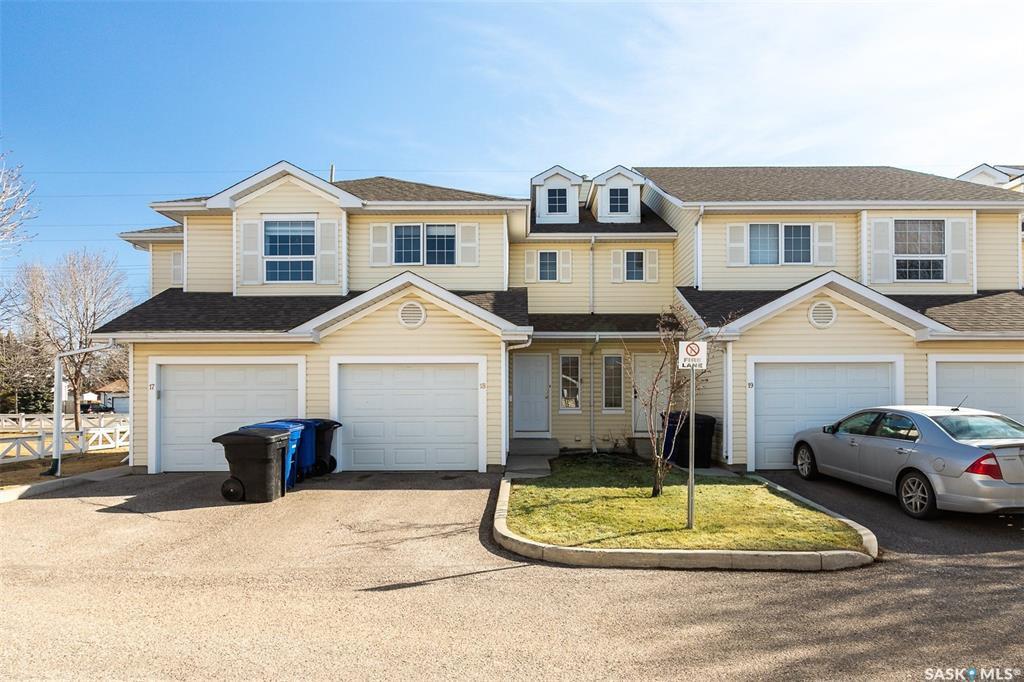 Main Photo: 18 207 Keevil Way in Saskatoon: Erindale Residential for sale : MLS®# SK805702