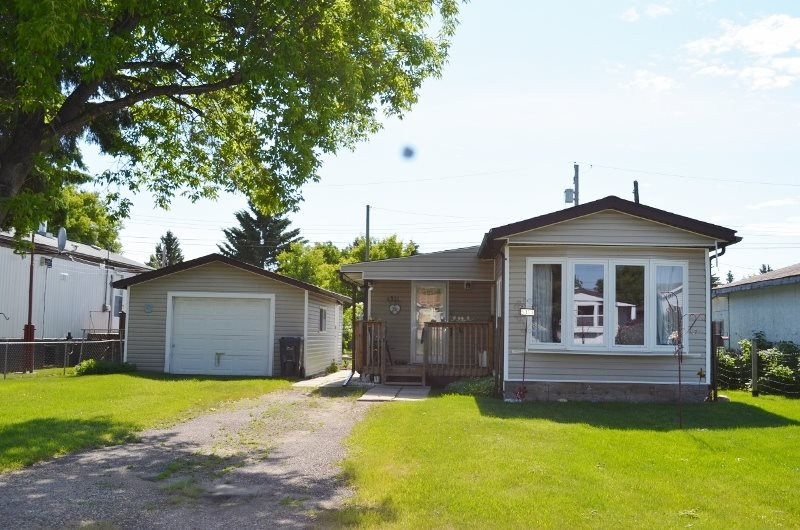 Main Photo: 5311 53 Street: Cold Lake House for sale : MLS®# E4208251