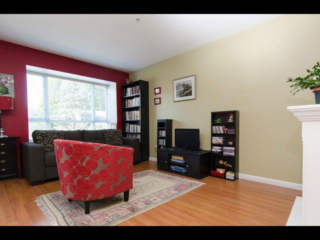 Main Photo: # 204 788 E 8TH AV in Vancouver: Mount Pleasant VE Condo for sale (Vancouver East)  : MLS®# V1126137