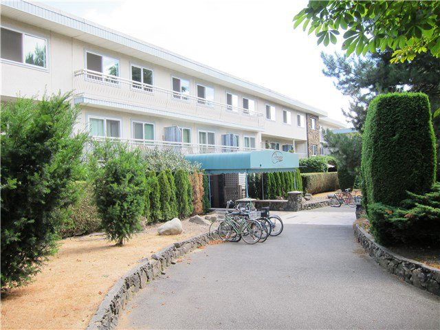 Main Photo: # 401 711 E 6TH AV in Vancouver: Mount Pleasant VE Condo for sale (Vancouver East)  : MLS®# V1135370