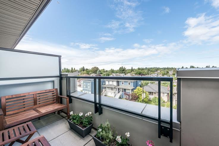 Main Photo: 432 4550 FRASER STREET in Vancouver: Fraser VE Condo for sale (Vancouver East)  : MLS®# R2077646