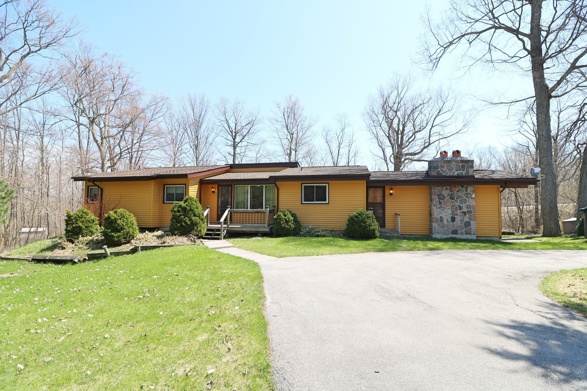 Photo 1: Photos: 37 Halstead Drive in Roseneath: Residential Detached for sale : MLS®# 192863