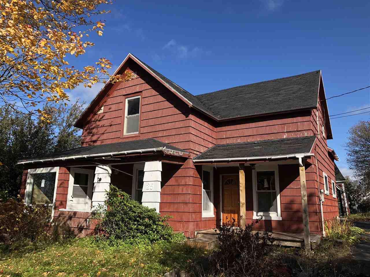 Main Photo: 25 Mechanic Street in Trenton: 107-Trenton,Westville,Pictou Residential for sale (Northern Region)  : MLS®# 201918404