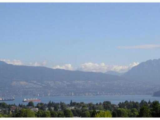 Main Photo: 207 3615 W 17TH AVENUE in : Dunbar Condo for sale (Vancouver West)  : MLS®# V940877