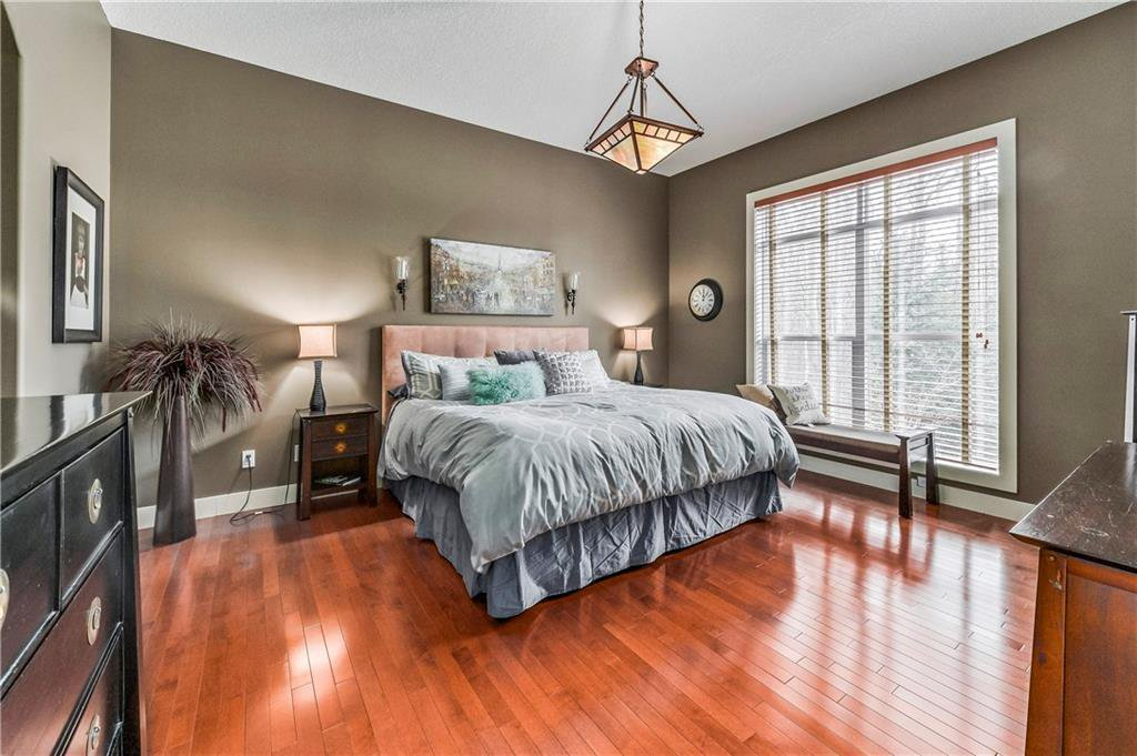 Photo 19: Photos: 94 DISCOVERY RIDGE Boulevard SW in Calgary: Discovery Ridge Detached for sale : MLS®# C4279285