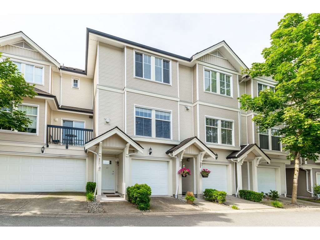 """Main Photo: 27 21535 88 Avenue in Langley: Walnut Grove Townhouse for sale in """"REDWOOD LANE"""" : MLS®# R2467866"""