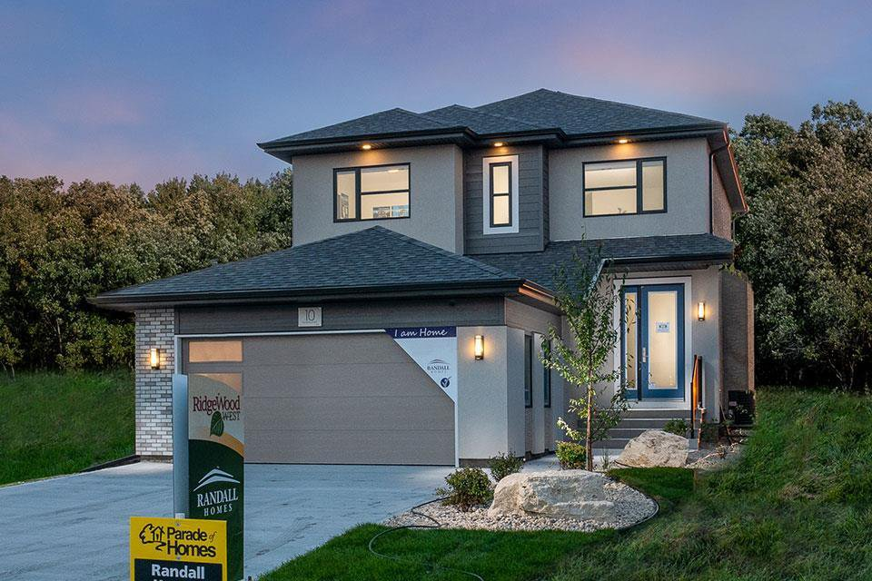 Main Photo: 10 McCrindle Bay in Winnipeg: Charleswood Residential for sale (1H)  : MLS®# 202100404