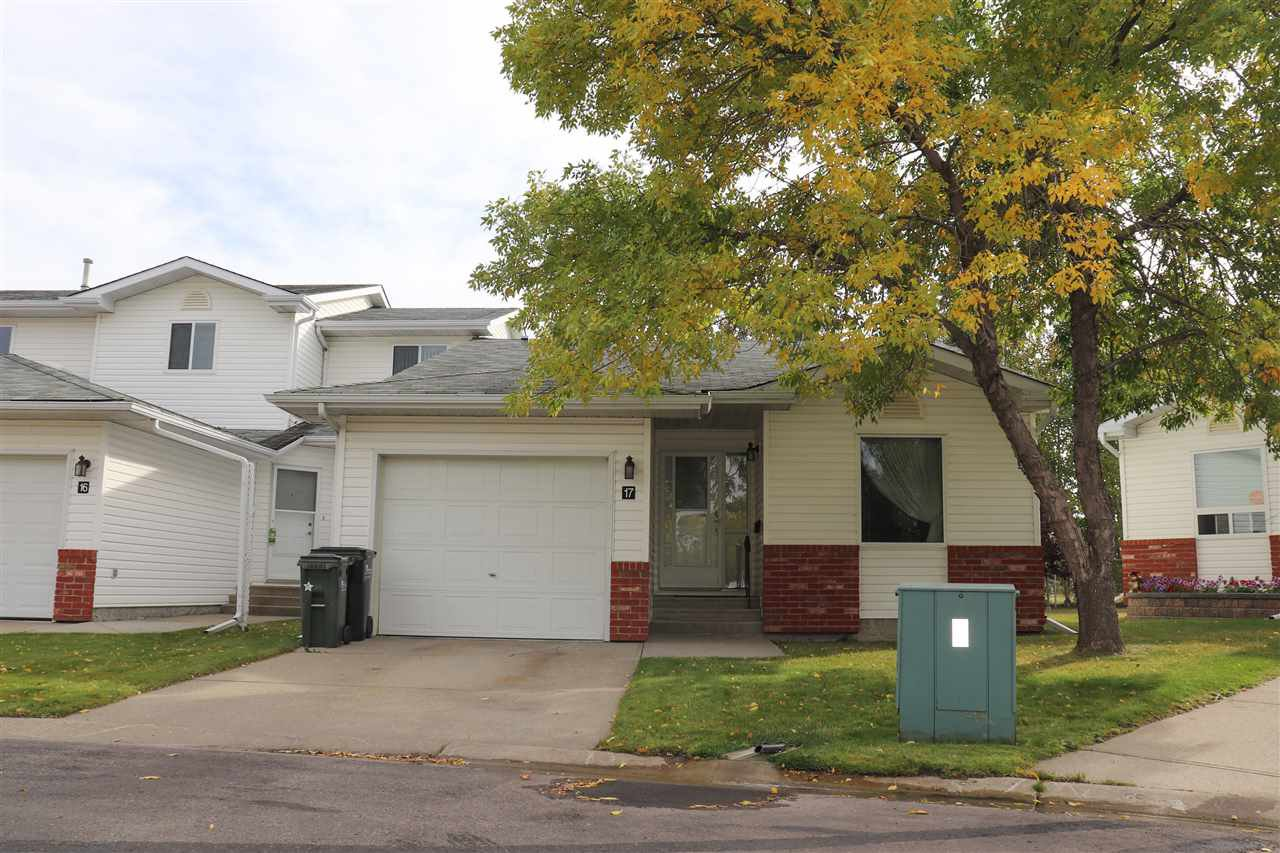 Main Photo: 17 15 RITCHIE Way: Sherwood Park Townhouse for sale : MLS®# E4224124