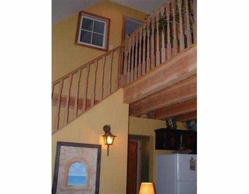 Photo 6: Photos: 975 A CONRAD RD in Roberts_Creek: Roberts Creek House for sale (Sunshine Coast)  : MLS®# V547340