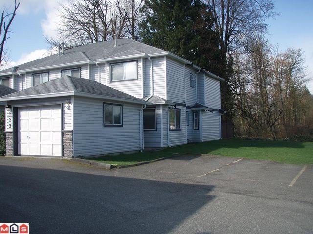 """Main Photo: 113 9507 208TH Street in Langley: Walnut Grove Townhouse for sale in """"YORKSON MANOR"""" : MLS®# F1213120"""
