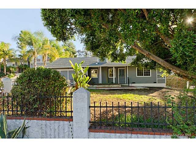Main Photo: VISTA House for sale : 3 bedrooms : 585 E Bobier Drive