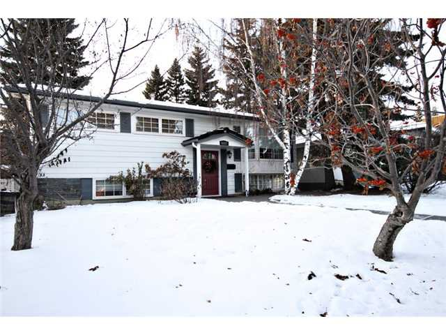 Main Photo: 6527 34 Street SW in CALGARY: Lakeview Residential Detached Single Family for sale (Calgary)  : MLS®# C3548821
