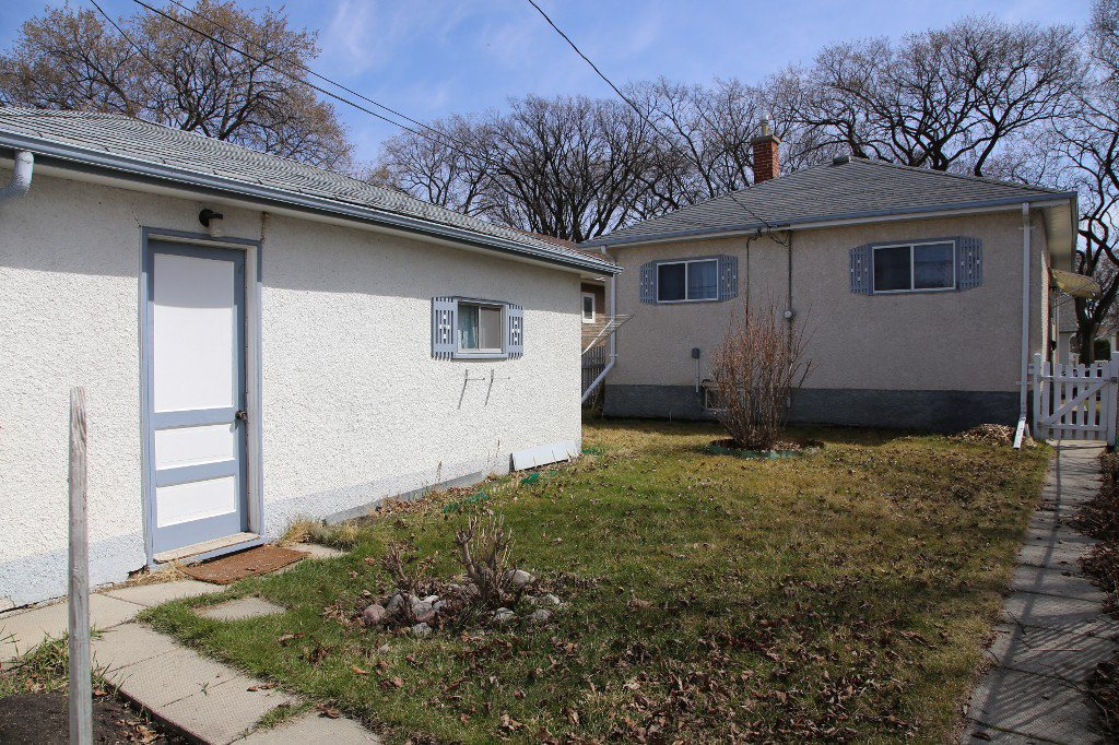Photo 37: Photos: 1092 Downing Street in WINNIPEG: West End/Sargent Park Single Family Detached for sale (West Winnipeg)  : MLS®# 151067