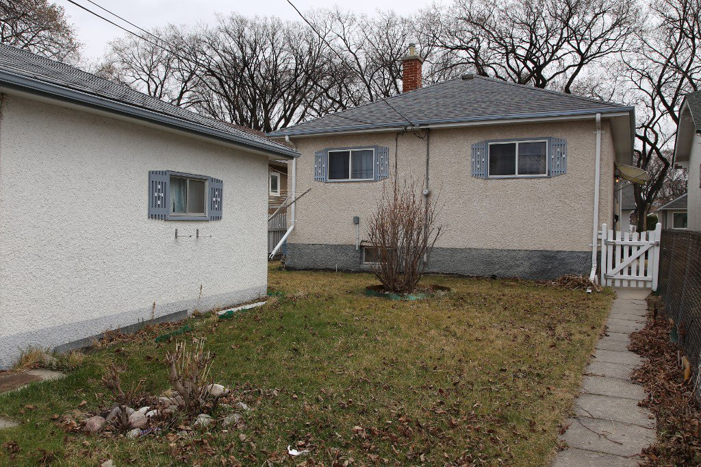 Photo 30: Photos: 1092 Downing Street in WINNIPEG: West End/Sargent Park Single Family Detached for sale (West Winnipeg)  : MLS®# 151067