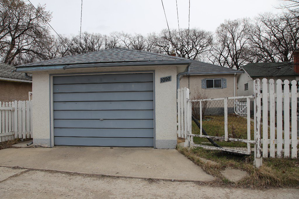 Photo 34: Photos: 1092 Downing Street in WINNIPEG: West End/Sargent Park Single Family Detached for sale (West Winnipeg)  : MLS®# 151067