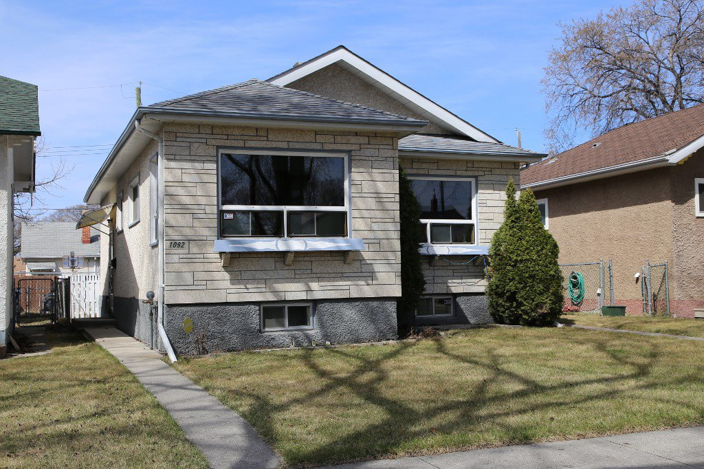 Photo 2: Photos: 1092 Downing Street in WINNIPEG: West End/Sargent Park Single Family Detached for sale (West Winnipeg)  : MLS®# 151067