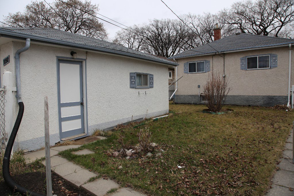 Photo 33: Photos: 1092 Downing Street in WINNIPEG: West End/Sargent Park Single Family Detached for sale (West Winnipeg)  : MLS®# 151067