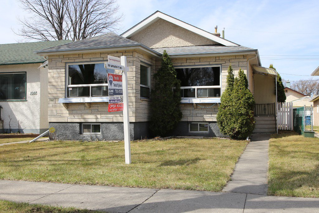 Photo 35: Photos: 1092 Downing Street in WINNIPEG: West End/Sargent Park Single Family Detached for sale (West Winnipeg)  : MLS®# 151067