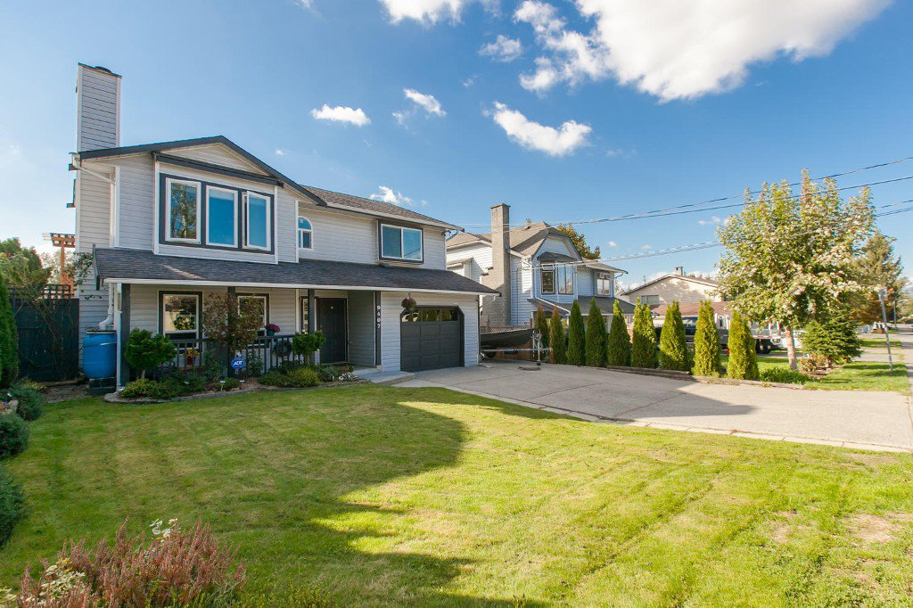 Photo 2: Photos: 9407 210 Street in Langley: Walnut Grove House for sale : MLS®# R2002877