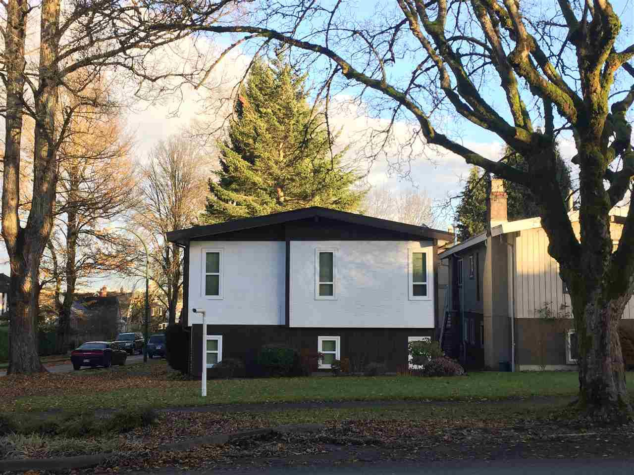 Main Photo: 3292 W. 22nd Ave, in Vancouver: Dunbar House for sale (Vancouver West)  : MLS®# R2028776