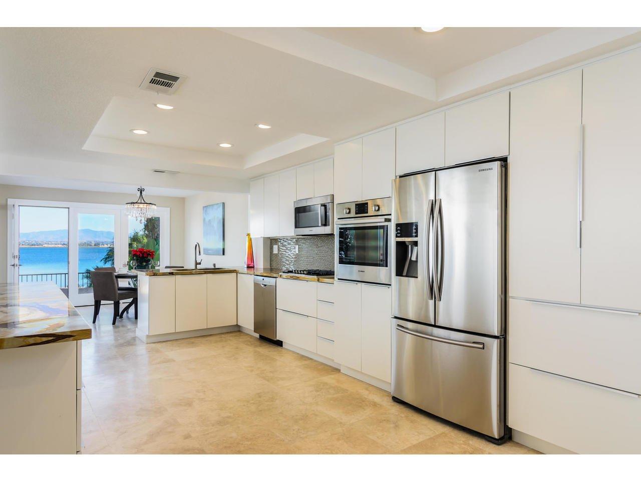 Photo 5: Photos: Townhome for sale : 3 bedrooms : 77 Tunapuna Lane in Coronado