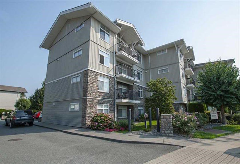 """Main Photo: 303 33255 OLD YALE Road in Abbotsford: Central Abbotsford Condo for sale in """"Brixton"""" : MLS®# R2404515"""