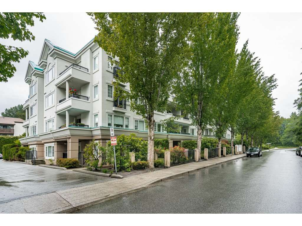 """Main Photo: 109 55 BLACKBERRY Drive in New Westminster: Fraserview NW Condo for sale in """"QUEENS PARK PLACE"""" : MLS®# R2465375"""
