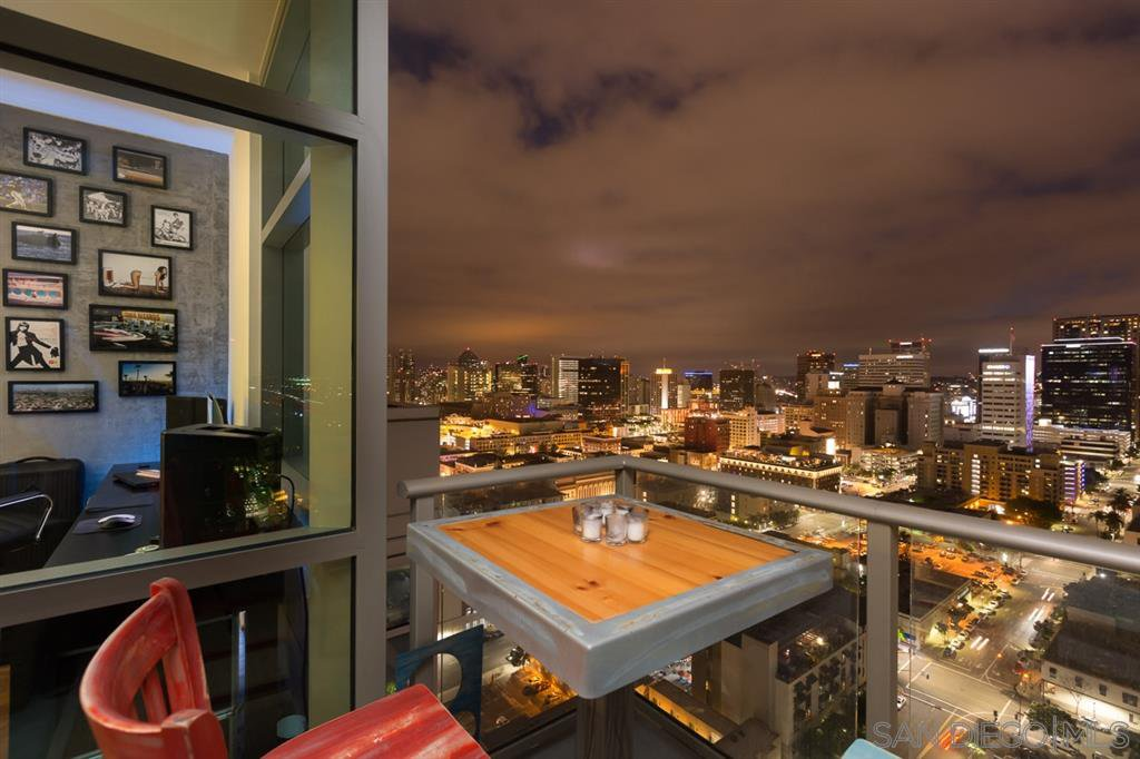 Main Photo: DOWNTOWN Condo for rent : 1 bedrooms : 800 The Mark Ln #2602 in San Diego