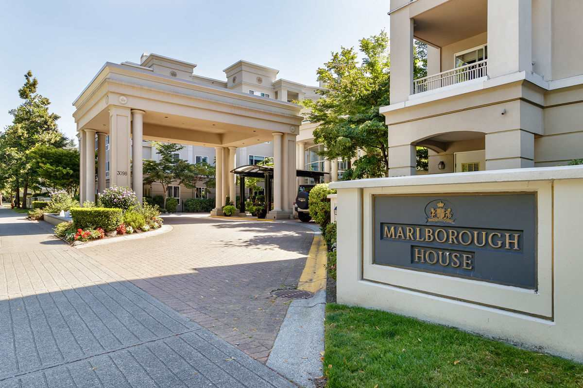 """Main Photo: 137 3098 GUILDFORD Way in Coquitlam: North Coquitlam Condo for sale in """"MARLBOROUGH HOUSE"""" : MLS®# R2488553"""